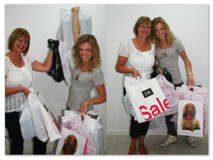 Eat Pray Workout Australia top health blogger Amy Darcy shopping with mum