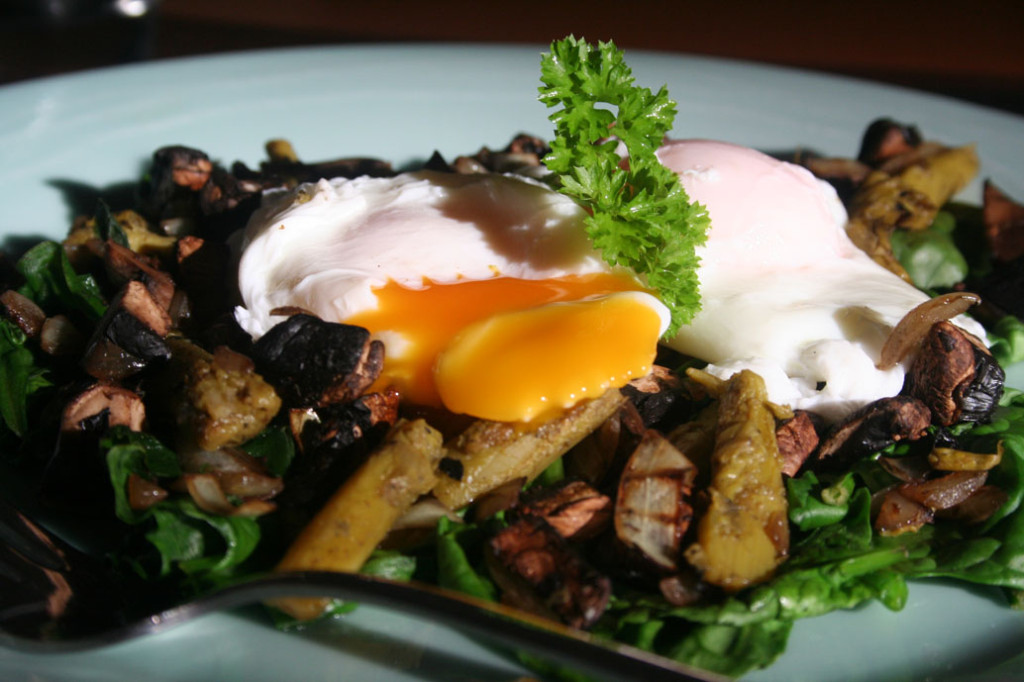 Poached Eggs on a bed of baby spinach, bacon, mushroom and asparagus 2