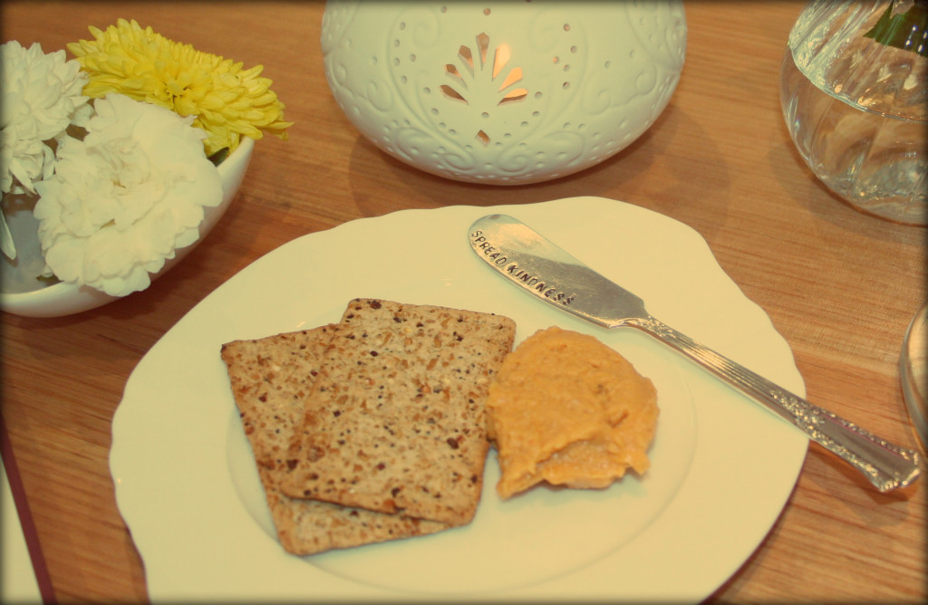 wholegrain crackers and sweet pumpkin dip