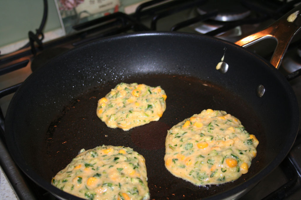 frying the healthy corn fritters
