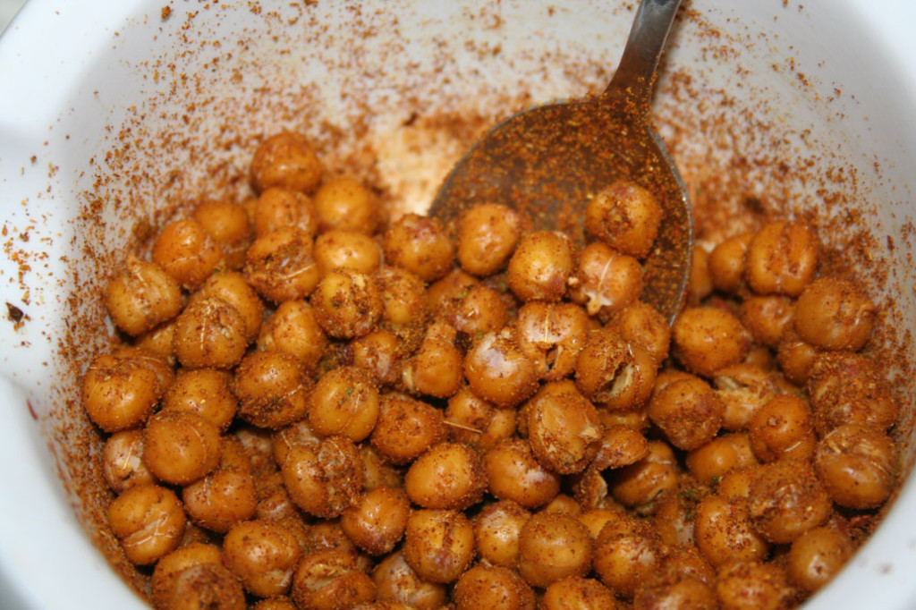Chickpeas mixed with spices