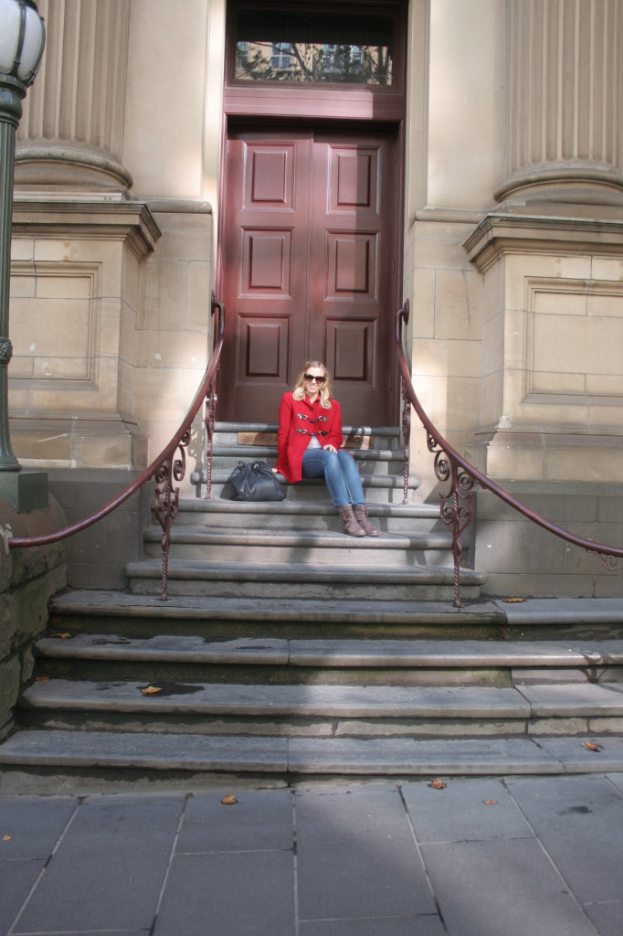amy darcy on stairs in melbourne eat pray workout