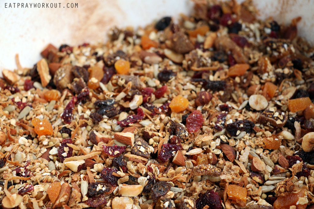 Healthy Granola recipe Kris Kringle food gift ideas Eat Pray Workout Christmas copy