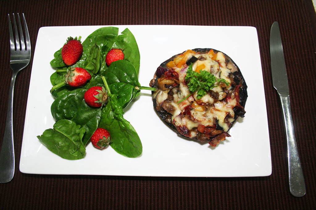 bacon and vegetable pizza stuffed mushrooms  eat pray workout