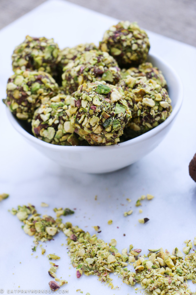 Coffee & pistachio bliss balls-17