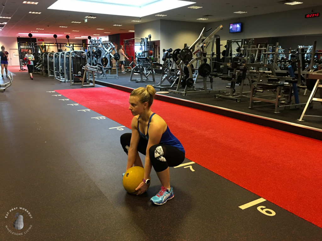 Session 4 Butt, hamstrings and obliques circuit Eat Pray Workout_-22