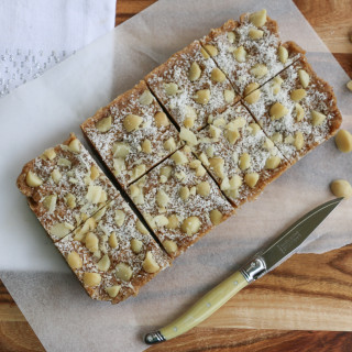 Caramel Macadamia Raw Slice