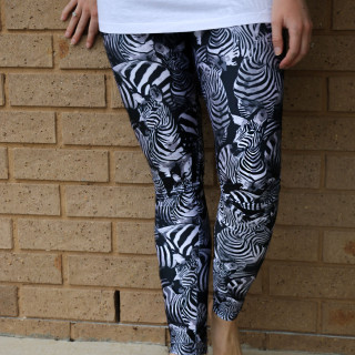Amy Darcy Australia top health blogger from Eat Pray Workout Pins to Kill zebra leggings