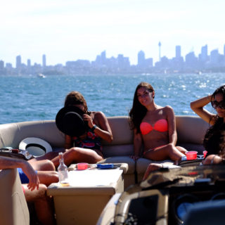 Sydney luxury cruise boat hire