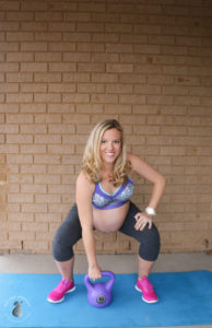 Amy Darcy Australia top health blogger from Eat Pray Workout exercising antenatal leg and butt workout