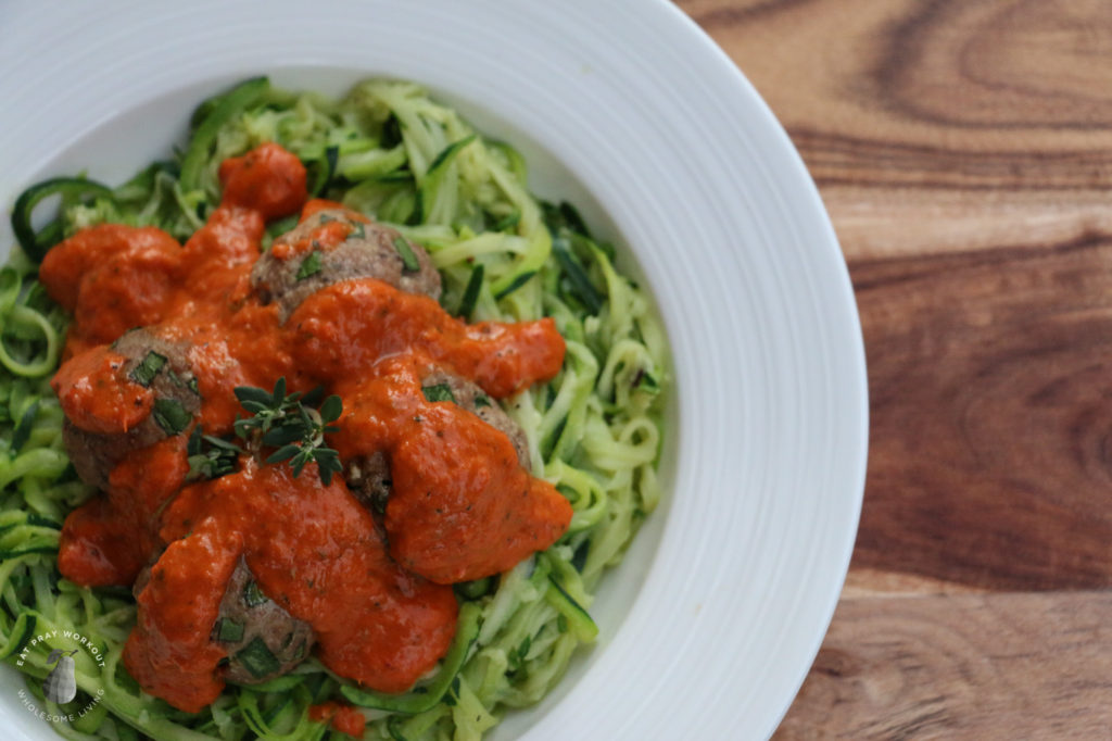 turkey meatballs with roasted capsicum sauce and zoodles recipe eat pray workout-10