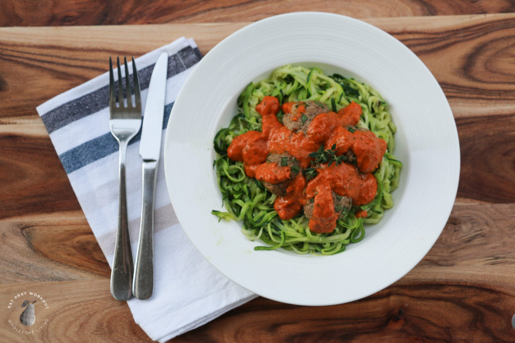 turkey meatballs with roasted capsicum sauce and zoodles recipe eat pray workout-4