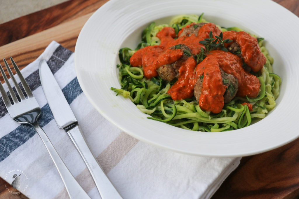 turkey meatballs with roasted capsicum sauce and zoodles recipe eat pray workout-5