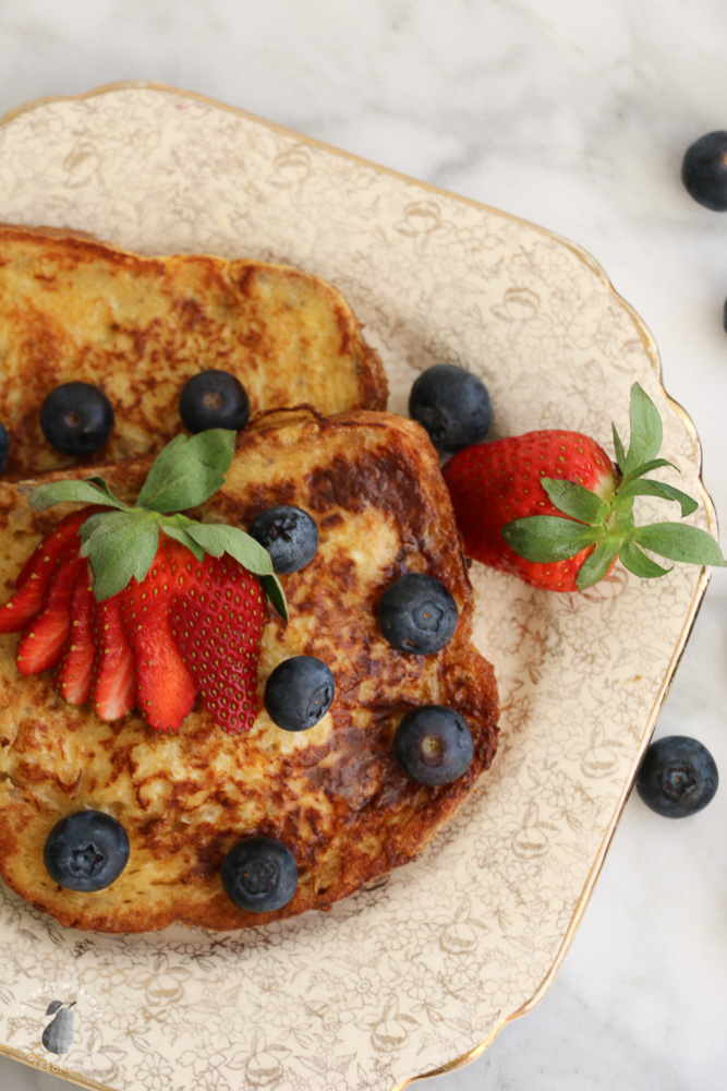 healthy-french-toast-berries-eat-pray-workout-4