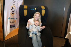 Amy Darcy Australia top health blogger from Eat Pray Workout with baby son Finn at the Maxi Cosi infant car seat exhibit at the Melbourne Blogger's Brunch 2016