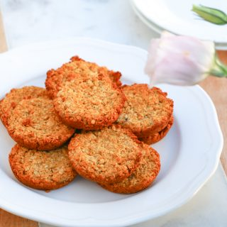plate of healthy refined sugar free anzac biscuits