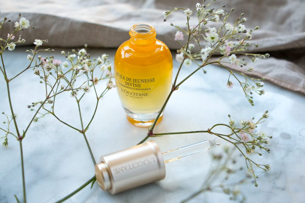 l'occitane immortelle divine youth oil review winter skincare facial products with flowers and linen