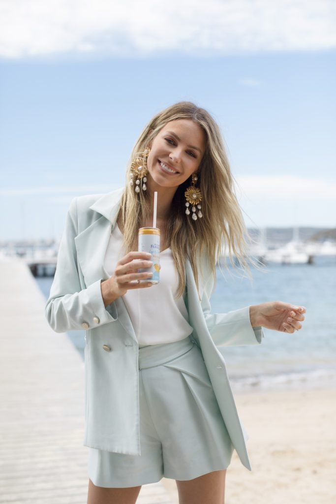 Jennifer hawkins mount franklin lightly sparkling lunch shares on diet, exercise, workout routines and stress management plus staying healthy at christmas
